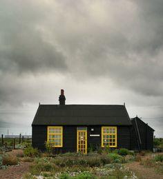 Deze huizen gaan voor zwart. En hoe! Roomed | roomed.nl
