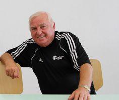 Boxlegende Ulli Wegner wird heute 74 Herzlichen Glückwunsch Ulli Wegner zum 74. Geburtstag. Boxen1 wünscht Dir noch viele Jahre mit dem Boxsport,