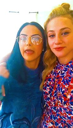 Riverdale Funny, Riverdale Memes, Riverdale Cast, Betty Cooper, Bff Goals, Best Friend Goals, Adelaine Kane, Camila Mendes Riverdale, Archie Comics Riverdale