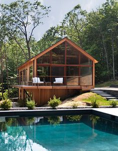 Woods by Lang Architecture Serene and calming - we love this house. Hudson Woods by Lang Architecture / Serene and calming - we love this house. Hudson Woods by Lang Architecture / Hudson Woods, Hudson River, Hudson Valley, Modern Houses, Modern Cabins, Tiny Houses, House In The Woods, My Dream Home, Exterior Design