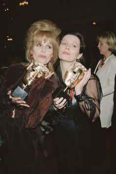 Joanna Lumley & Jennifer Saunders with their BAFTA's Absolutely Fabulous Quotes, Patsy And Eddie, Edina Monsoon, Patsy Stone, Jennifer Saunders, Joanna Lumley, It's All Happening, 80s And 90s Fashion, Ab Fab