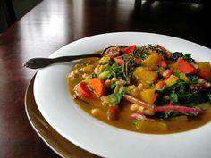 Butternut, Chard & White Bean Soup Pressure Cooker http://www.recipesfeedfood.com/butternut-chard-white-bean-soup-pressure-cooker/