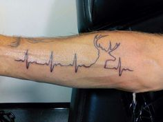 ECG Line with Deer Head. There's no flatline on this cool forearm tattoo. Very simple yet very effective with the deer head as the peaks in the lines. Deer Head Tattoo, Head Tattoos, Skull Tattoos, Body Art Tattoos, Sleeve Tattoos, Tatoos, Dog Tattoos, Retro Tattoos, Trendy Tattoos