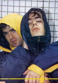 Liam and Noel Gallagher ❤ Banda Oasis, Liam Gallagher Noel Gallagher, Indie Men, Liam And Noel, Oasis Band, Band Wallpapers, Britpop, Wonderwall, Wattpad