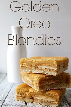 Golden Oreo Blondies! MMMmmm... They are my favorite Oreo, and to pair them with sugar cookies and blondie batter? A match made in heaven. :)
