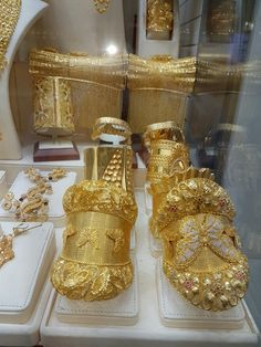 Ali baba Selani gold and diamond splyer Dubai contact please call me order to get a chance Bridal Jewelry, Gold Jewelry, Bling Bling, Silk Bangles, Gold Everything, Fountain Design, Pakistani Jewelry, Gold Money, Vetement Fashion