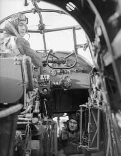 Cockpit of an Avro Manchester bomber Ww2 Aircraft, Military Aircraft, Air Force Bomber, South African Air Force, Lancaster Bomber, Ww2 Photos, Photographs, Flying Boat, Fighter Pilot