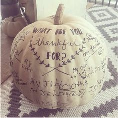 Friendsgiving Thanksgiving Ideas- A white pumpkin is the perfect backdrop for a list of thanks. Take a look at this easy thanksgiving centerpiece from Yellow Prairie Interiors. Informations A Hosting Thanksgiving, Thanksgiving Traditions, Thanksgiving Parties, Thanksgiving Crafts, Family Thanksgiving, Thanksgiving Pictures, Decorating For Thanksgiving, Thanksgiving Platter, Thanksgiving Quotes