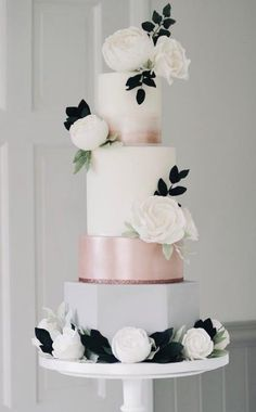 Repost...Featured Wedding Cake: Cotton & Crumbs; www.cottonandcrumbs.co.uk; Wedding cake idea.