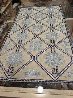 Tiny Cross Stitch, Crochet Tablecloth, Bohemian Rug, Rugs, Blessings, Home Decor, Ideas, Counted Cross Stitches, Cross Stitch Embroidery