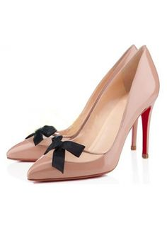 8f08e2a8a5a2 Laconic Apricot Patent Leather All Match Pumps With Black Bow Bow Design