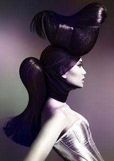 Работа победителя национальной парикмахерской премии Australian Hair Fashion Awards 2014 в номинации Авангард. Создатели © : Волосы Yoshi Su @ Rokk Ebony / Фотограф Elizabeth Kinnaird / Макияж Sarah Baxter