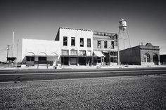 9 Creepy Abandoned Ghost Towns In Texas Haunted Places, Abandoned Places, Haunted Houses, Salton Sea California, Texas Vacations, Creepy Ghost, Ghost Photos, Texas Travel, Ghost Towns