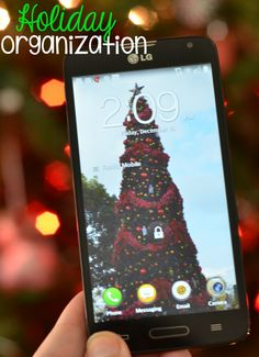 Use a smartphone to help with your holiday organization. Plan ahead, meal plan, and use tools to document your busiest time of the year! #HolidaysAreCalling #ad #cbias