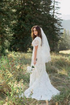 Classy Wedding Photos. LDS wedding. Modest wedding dress. Stephanie Sunderland Photography. Utah wedding photographer.