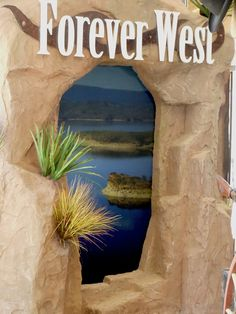 Forever West uses 3M's Vikuiti film applied to acrylic to create an eye catching display  http://www.flickr.com/photos/spyeglass/5247441498/