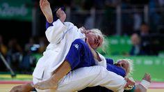 Schiedsrichter bricht Judo-Kampf ab: Malzahn wird fast zur Ohnmacht gewürgt