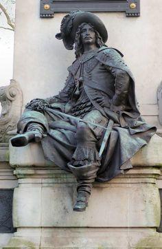 D'Artagnan, détail de la statue d'Alexandre Dumas Paris