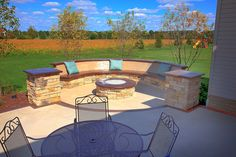 50 new ideas concrete patio seating built ins Concrete Patios, Colored Concrete Patio, Fire Pit Furniture, Backyard Furniture, Outdoor Furniture Sets, Furniture Ideas, Fire Pit Seating, Patio Seating, Seating Areas