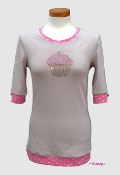 T-Shirts mit Applikation - T-Shirt, beige, Strass- Cupcake - ein Designerstück von UL-GlamCity bei DaWanda