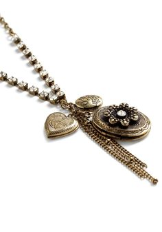 13: Matching Modcloth Accessories: Make Sure to Locket Necklace .. As sentimental as I am and though he will be standing by my side, I would put a photo of my fiance in the large locket. I like this necklace because it is very simple and not flashy and has a vintage feel to it. #modcloth #wedding