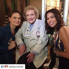"""LIKE if you're excited to see Betty on #Bones! #Regram @bettymwhite ・・・ That's a wrap on my episode of #Bones! Has to be the nicest set in town!…"""