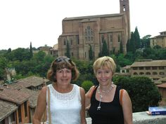 Sisters In Sienna, Italy
