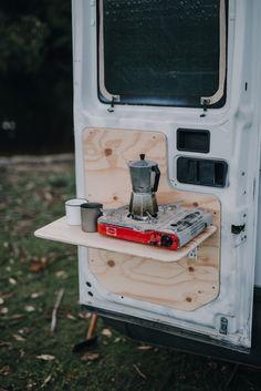 Van Conversion Interior, Camper Van Conversion Diy, Mini Camper, Camper Life, Iveco Daily Camper, Build A Camper Van, Hippie Camper, Converted Vans, Converted Horse Trailer