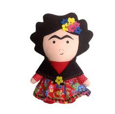 Boneca Frida (20 x 15 cm), toda fofinha, feita para brincar ou simplesmente decorar! Toy Art inspirada na pintora mexicana Frida Kahlo!    Feita em tecido 100% algodão com detalhes em feltro, recheada com fibra siliconada antialérgica, pode ser lavada! R$ 60,00