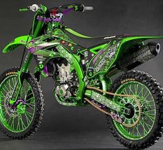 What a bitchin bike! Kawasaki Dirt Bikes, Ktm Dirt Bikes, Cool Dirt Bikes, Mx Bikes, Dirt Biking, Dirt Bike Quotes, Enduro Motocross, Custom Sport Bikes, Dirt Bike Girl