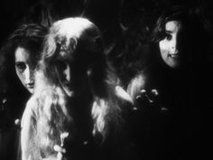 Dracula's brides in Drácula (1931), the Spanish language version of the horror classic.