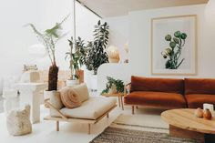 Pop and Scott interior inspiration: white walls, plants & midcentury inspired couches