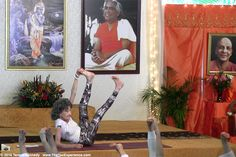 97-year-old yoga master Tao Porchon-Lynch teaching at Sivananda Ashram Yoga Retreat in the Bahamas - January 10, 2016