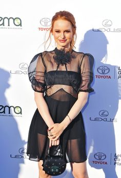 Madelaine Petsch Leather Purse - Madelaine Petsch arrived for the 2017 EMA Awards carrying a studded leather purse. Cheryl Blossom Riverdale, Riverdale Cheryl, Riverdale Cast, Madelaine Petsch, Girl Celebrities, Celebs, Cheryl Blossom Aesthetic, Leather Purses, Studded Leather