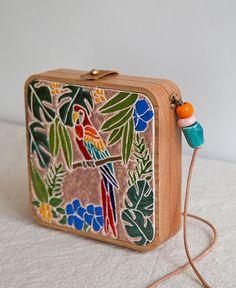 Parrot ceramic & wood bag by GRAV GRAV