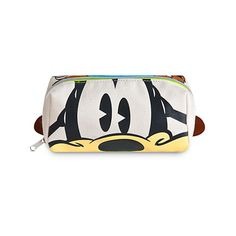 Goofy Face Feet Pouch (34 BRL) ❤ liked on Polyvore featuring beauty products, beauty accessories, bags & cases, make up bag, travel kit, make up purse, travel bag and cosmetic bags