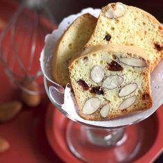 Instagram 上的 Joannie Chan:「 Almond biscotti  #homebaked #almond #biscotti #biscuit #杏仁 #餅乾 # #markhamcakes 」 Biscotti, Almond, Muffin, Breakfast, Instagram, Food, Morning Coffee, Almond Joy, Muffins