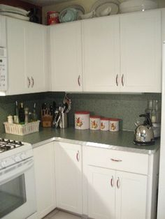 budget-friendly retro kitchen makeover