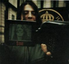 The official Foo Fighters postboard. Interact with other fans talking about the band and the latest news, tour dates, side projects, photos and much more. Karel Gott, Nirvana Kurt Cobain, Dave Grohl, Foo Fighters, My Vibe, Music Bands, A Good Man, Rock Bands, People