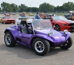 Sweet look alike at cruise registration. for the photo by street_wheelers Dune Buggies, Vw Cars, Vw Volkswagen, Manx, Look Alike, Antique Cars, Cruise, Social Media, Street
