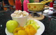 Fondue on talvi- ja seurusteluruokaa parhaimmillaan. Kokeile juusto- ja lihafondueta perheen tai ystäväporukan kesken vaikka talvisen ulkoilupäivän...