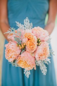 Turquoise Bridesmaids Dress Peach Bouquet. PERFECT. Was trying to think of a way to incorporate peach into my white and turquoise wedding.