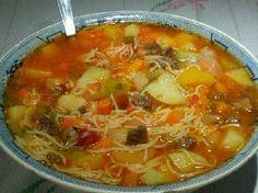 A Receita de Sopa de Carne da Vovó é deliciosa, nutritiva e econômica. Para você ter uma ideia, só um bife, uma cenoura e uma batata são usados para fazer