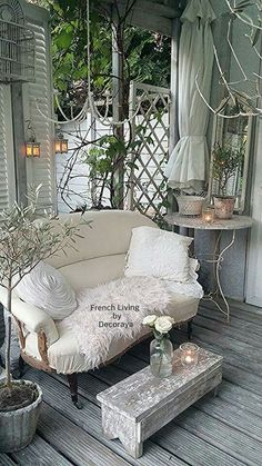 So sweet & comfy. Imagine a Gramma and her sweet little Granddughter sharing a book... or a pretty not so little girl with a cup of tea with her own sweet day dreams.