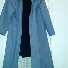 Coat Grey London Fog coat with thicker whining insert. To make coat Warner.. In good condition and ready to go! London Fog Jackets & Coats