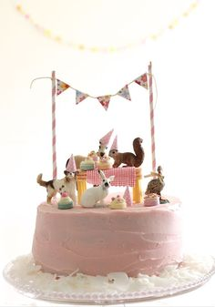 Cute Cake idea...love this for a little girls birthday. So stink cute!!