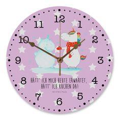 30 cm Wanduhr Einhorn Schneemann aus MDF  Weiß - Das Original von Mr. & Mrs. Panda.  Diese wunderschöne Uhr von  Mr. & Mrs. Panda wird liebeveoll in unserem Hause bedruckt und an sie versendet. Sie ist das perfekte Geschenk für kleine und große Kinder, Weltenbummler und Naturliebhaber. Sie hat eine Grösse von 30 cm und ein absolut lautloses Uhrwerk.    Über unser Motiv Einhorn Schneemann  Das Winter-Einhorn macht richtig Lust auf den ersten Schnee. Schon mal probiert, sich ein Ebenbild aus…