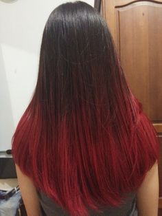 Brown Hairstyles for Women 2019 -© jennifer wizzar - pink/red ombre, straight long hair . Ombre Hair Color For Brunettes, Hair Color Auburn, Hair Color For Black Hair, Pink Hair, Red Hair Tips, Hair Dye Tips, Haircuts For Long Hair Straight, Short Hair, Red Balayage Hair