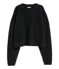 Black. PREMIUM QUALITY. Short, chunky-knit sweater in wool with cashmere content. Dropped shoulders and ribbed neckline.