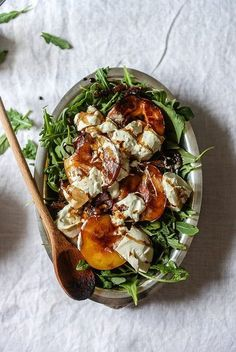 The sweetness of peaches with savory burrata makes for a great combination - grilled peach & burrata salad (meal ideas for dinner dishes) Vegetarian Recipes, Cooking Recipes, Healthy Recipes, Burrata Salad, Burrata Recipe, Clean Eating, Healthy Eating, Grilled Peaches, Grilled Peach Salad